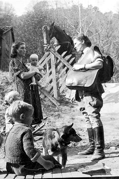 Best Documentary Movies of 1931 : The Forgotten Frontier