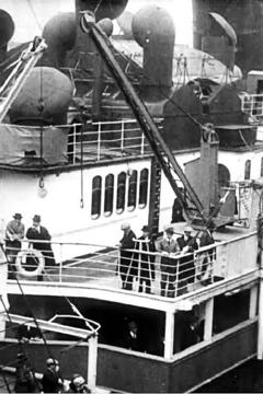 Best Documentary Movies of 1915 : S.S. Lusitania Leaves New York City on Last Voyage